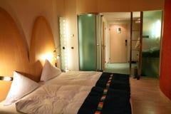 现代的卧室 免版税库存图片