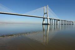 现代的桥梁 免版税库存图片