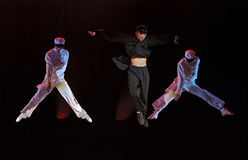 现代的舞蹈演员执行阶段 免版税库存照片