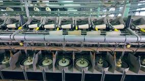 现代纤维植物机器与白色螺纹和短管轴一起使用 影视素材