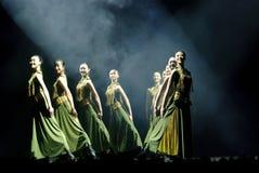 现代组舞蹈 免版税库存照片