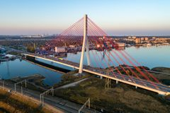 现代缆绳被停留的桥梁在格但斯克,波兰 图库摄影