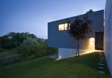 现代美丽的房子 库存照片