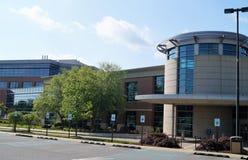 现代美国医疗办公楼 免版税库存照片