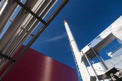 现代能源厂的五颜六色的视图 库存图片
