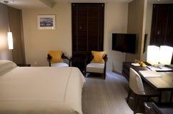 现代花梢旅馆客房卫生间 库存图片