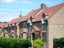 现代英国庄园的住房 免版税图库摄影