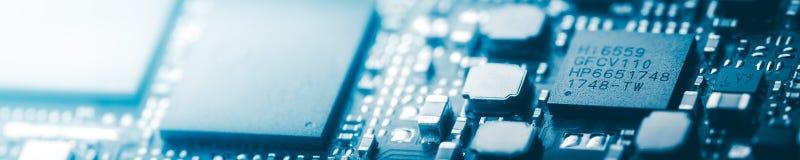 现代蓝色电路板背景横幅 免版税库存图片
