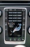 现代豪华汽车仪表板正面图与控制的 免版税库存照片
