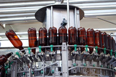 现代酿酒厂的设备 免版税库存照片
