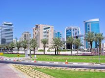 现代高层建筑物在迪拜 库存照片