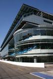 现代2个建筑的玻璃 免版税库存图片