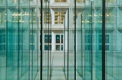 现代2个背景的玻璃 免版税库存图片