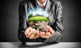 现代eco友好的城市和生态概念 免版税库存图片