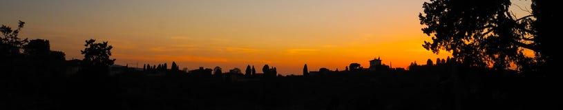 现出轮廓佛罗伦萨全景从piazzale米开朗基罗的 免版税库存图片