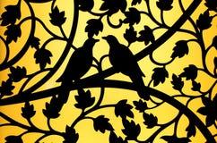现出轮廓鸟和花窗口背景曲线钢  免版税库存图片