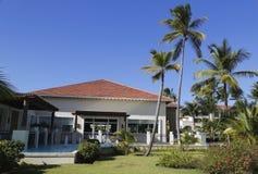 现在Larimar包括所有的旅馆Bavaro海滩位于蓬塔Cana,多米尼加共和国 免版税库存照片