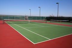 现场绿色红色网球 库存图片