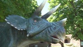 现实恐龙,tricheraptus头在迪诺公园 股票录像