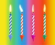 现实灼烧的生日蛋糕蜡烛在颜色背景设置了被隔绝 也corel凹道例证向量 免版税图库摄影