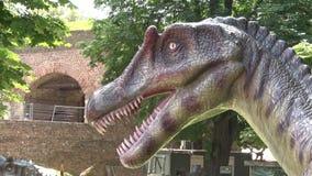 现实spinosaurus恐龙在迪诺公园头和牙 影视素材