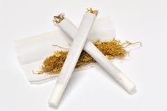 现有量滚的香烟 库存照片