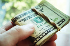 现金接近优质 库存照片