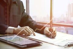 现金流动分析和企业成长 免版税库存照片