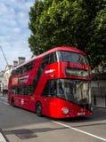 现代伦敦公共汽车 免版税库存照片