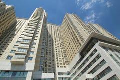 现代住宅高层建筑物 免版税库存图片