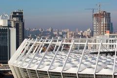 现代全国奥林匹克体育复杂体育场屋顶在基辅,乌克兰 免版税库存照片