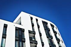 现代公寓外部 免版税库存照片