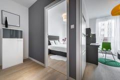 现代公寓的两个房间 免版税图库摄影