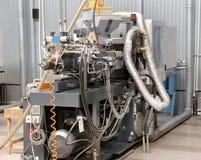现代内部电子组分生产,零件warehou 图库摄影