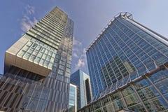 现代办公室和公寓 免版税库存图片