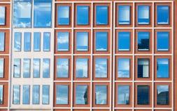 现代办公楼外部在红砖的 图库摄影