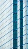 现代大厦蓝色玻璃墙  免版税库存图片
