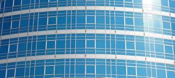 现代办公楼玻璃表面  免版税库存照片