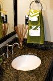 现代卫生间水槽 免版税库存图片