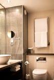现代卫生间的旅馆 免版税图库摄影