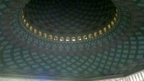 现代和独特的建筑学样式在Al阿克巴尔清真寺,苏拉巴亚 股票录像