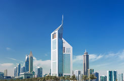 现代和豪华摩天大楼在迪拜,阿联酋的中心 免版税库存图片