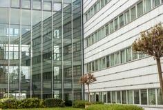 现代商业中心外部门面 免版税图库摄影