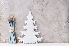 现代圣诞节装饰 免版税库存照片