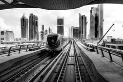 现代地铁在迪拜 库存照片