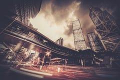 现代城市在晚上 免版税库存照片