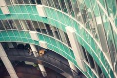 现代大厦内部与绿色玻璃的 免版税图库摄影