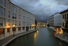 现代大厦在威尼斯 威尼托 意大利 免版税库存照片