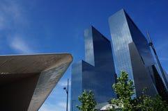 现代大厦在鹿特丹 免版税库存照片