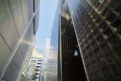 现代大厦大块玻璃墙壁 图库摄影